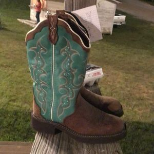 New without tags Justin boots!